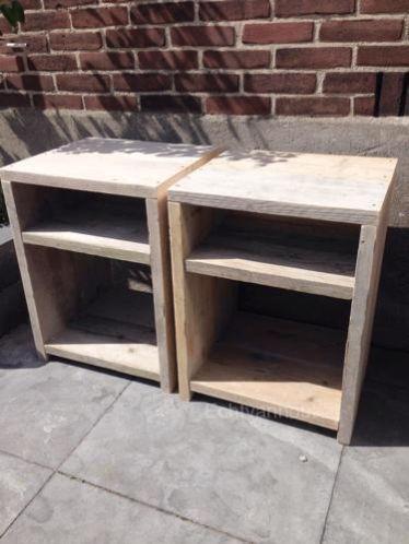 Nachtkastje / bijzettafel van oud steigerhout Made by #echtvanhout