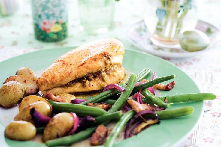 Kijk wat een lekker recept ik heb gevonden op Allerhande! Kalkoen met gebakken aardappeltjes en boontjes