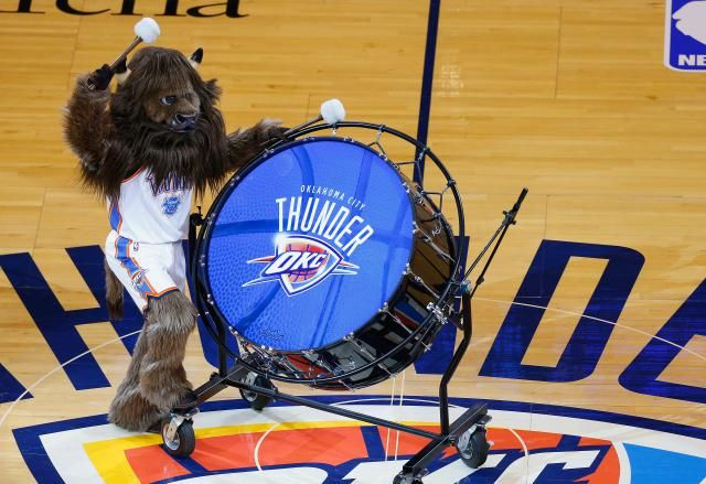Get the full 2015-2016 Oklahoma City Thunder schedule, an easily printable list with game times, location and national television appearances.