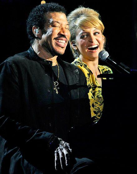 I love this!!! Lionel Richie and Nicole Richie