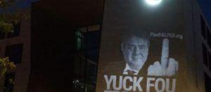 Αφρίζει η Άγκυρα με το f@ck you Erdogan στην πρεσβεία της στο Βερολίνο  ΕΕ τέλος για την Τουρκία;