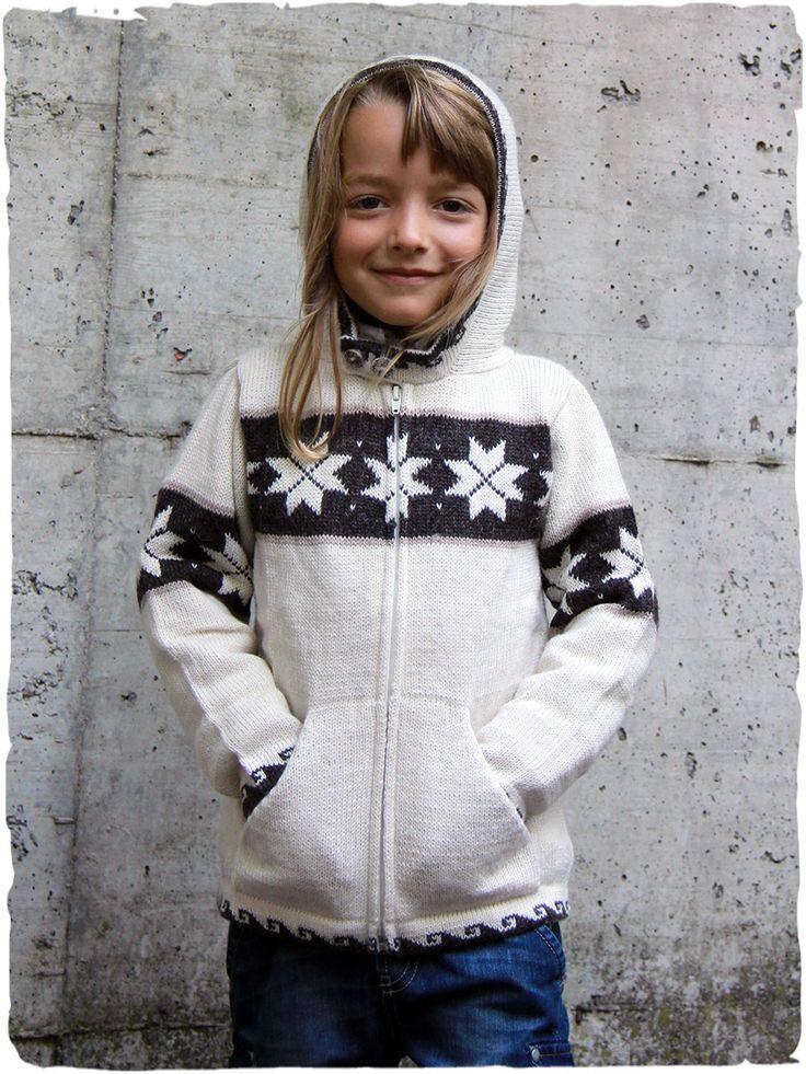 Biagio Cardigan in lana per bambini #cardigan #bambini con disegno #etnico, tasche, #cappuccio e cerniera. #modaetnica #ethnicalfashion #alpacaswhool #lanadialpaca #peruvianfashion #peru #lamamita #moda #fashion #italianfashion #style #italianstyle #modaitaliana #lamamitafashion #moda2015 #fashion2015 #winter #winterfashion