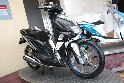 Modifikasi Honda Beat hitam gelap
