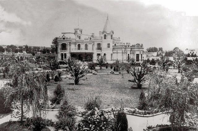 Quinta Limantour-Mariscal en Mixcoac (Av. Revolución) fotografiada en 1897. Hoy Colegio Williams.