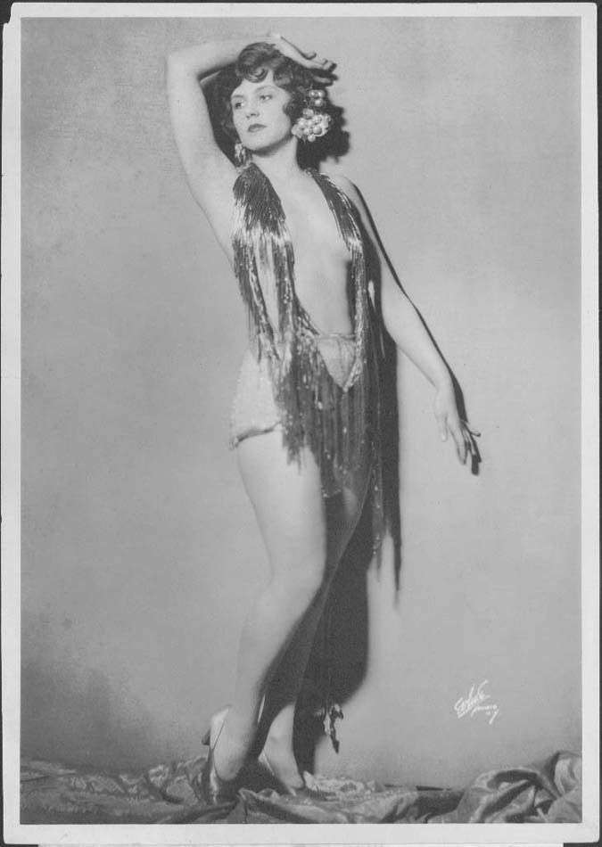 The Flapper Girl : Photo