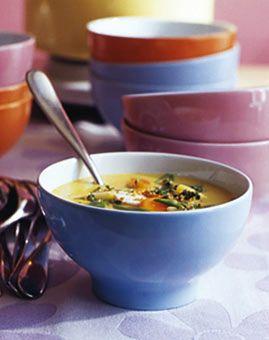 Curry-Hühnersuppe - Asia-Suppen: exotisch und scharf - [LIVING AT HOME]