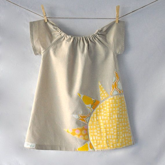 Artículos similares a Here Comes The Sun Applique Dress Linen dress Yellow sun dress Birthday party dress Baby gift en Etsy                                                                                                                                                                                 Más
