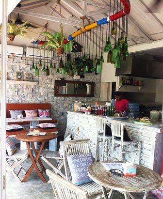タイ料理もおいしい WARUNG55 ( ワルン リマリマ )   暁希のバリ島 サヌール生活