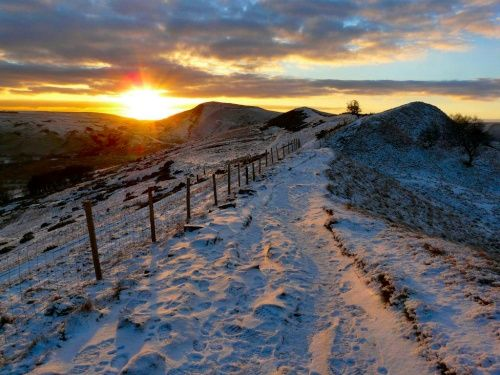 he Great Ridge near Castleton Looking towards Mam Tor A picture of: Peak District National Park, Derbyshire