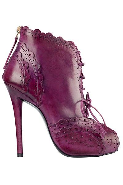Roger Vivier 2012 Fall-winter - Click for More...                                                                                                                                                                                 Más