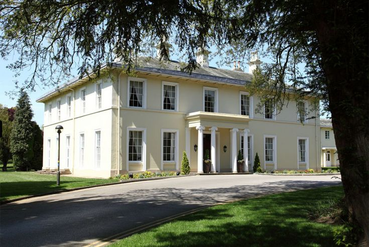 Eastwood Hall Offer 4* Nottinghamshire, Dinner, Wine & Leisure Access for 2 for £89 (at Eastwood Hall, Nottinghamshire) for a one-night stay for two with a two-course dinner, wine, breakfast and late check-out, £139 for two nights – save up to 37% valid from 2015/04/08 to 2015/05/06