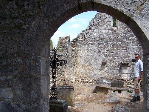Civaux (86), chapelle du cimetière