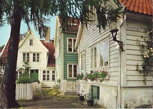 BERGEN Rosesmuget in Sandviken with old houses.