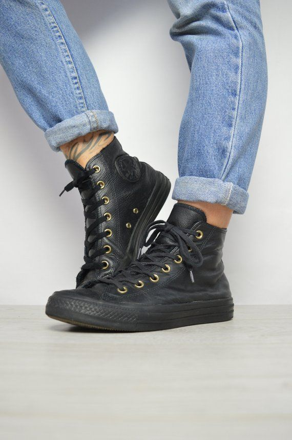8a12e6a5f5f4 Vintage 90s Converse Black Fleece Lined Leather Hi-Tops Trainers Sneakers Chuck  Taylor All Star Size UK 6 EU 39 US Mens 6 Womens 8 cm 24.5
