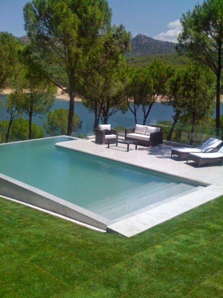 http://www.jeitodecasa.com/2014/04/30-piscinas-impressionantes.html