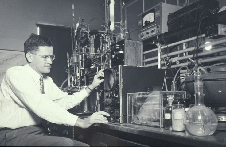 He popularized nuclear magnetic resonance spectroscopy, a tool used to understand chemical structures, and was a leader in understanding how organic reactions occurred.