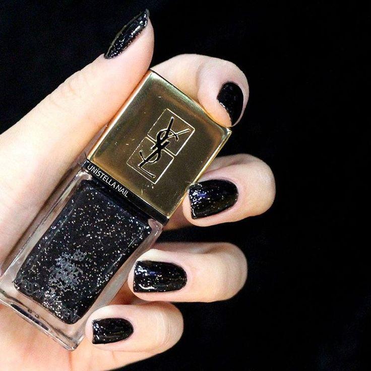 Nail Unistella by EK . Lab — #black & #silver nail   #uni_mani #unistella...