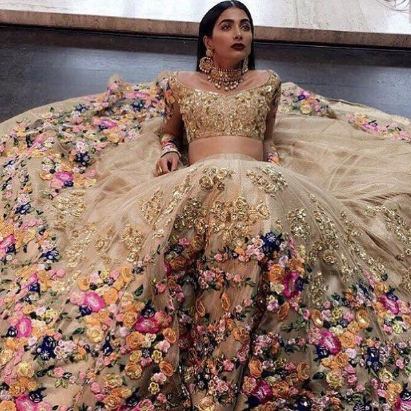 Pretty bridal inspo  **R E P O S T** @bibildn #wedding #bride #asianbride…                                                                                                                                                                                 More