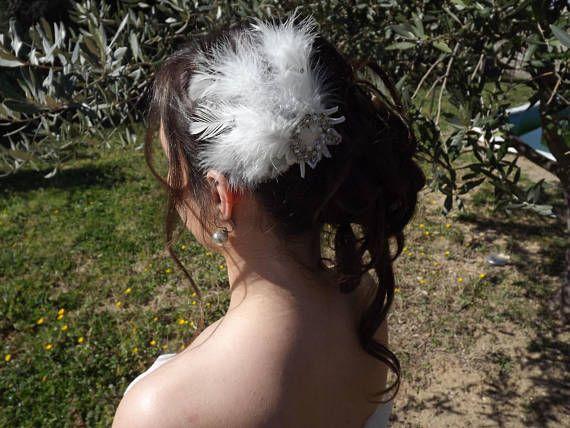 pique à cheveux de plumes strassées pour mariée romantique ou