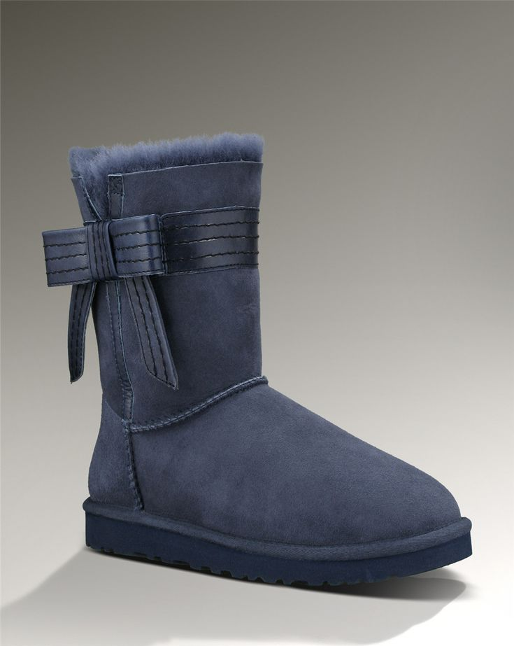 ugg classic short bleu marine