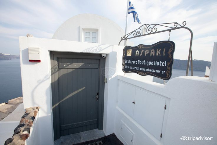 Just a step away from your dream! #ArtMaisons #Santorini