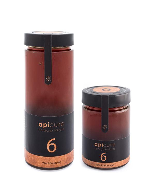 Μέλι Κουμαριάς: Το Μέλι Κουμαριάς συλλέγεται από τις νεκταροεκρίσεις της Κουμαριάς (Arbutus Unedo) και είναι ένα προϊόν με ιδιαίτερα υψηλή θρεπτική αξία. Αποτελεί μια από τις καλύτερες επιλογές για την τόνωση του οργανισμού.