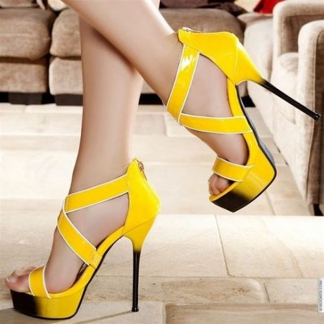 Dee Zee hot high yellow heels