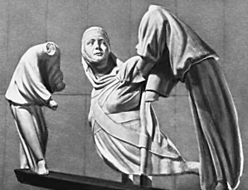 Photobucket. Фрагменты надгробия Маргариты Люксембургской. Джованни Пизано. Мрамор. 1313 г.