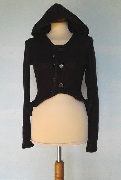 Giacche corte - Giacca in maglia nera con ampio cappuccio - un prodotto unico di SusannaSilicani su DaWanda