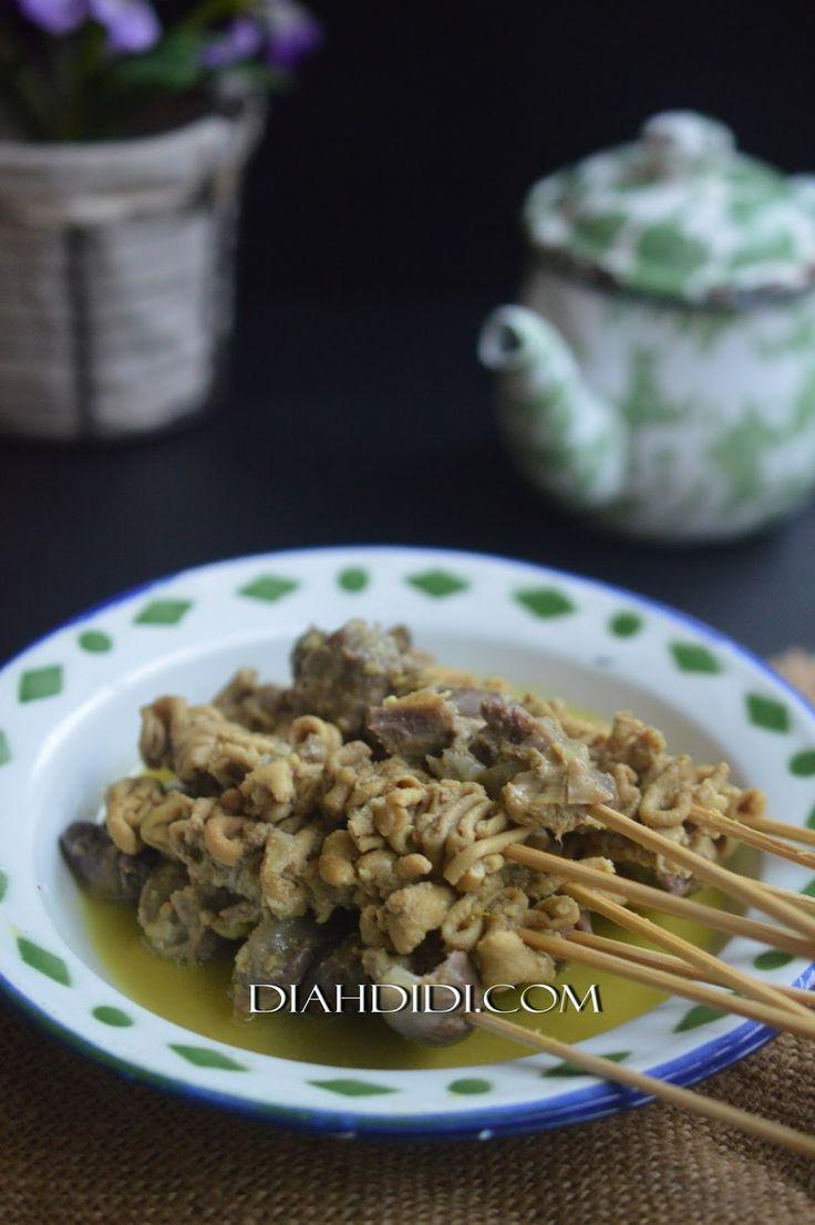 Diah Didi's Kitchen: Ungkep Sate Usus & Ampela Bumbu Kuning