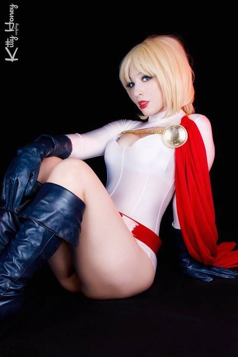 Power Girl Cosplay (75)
