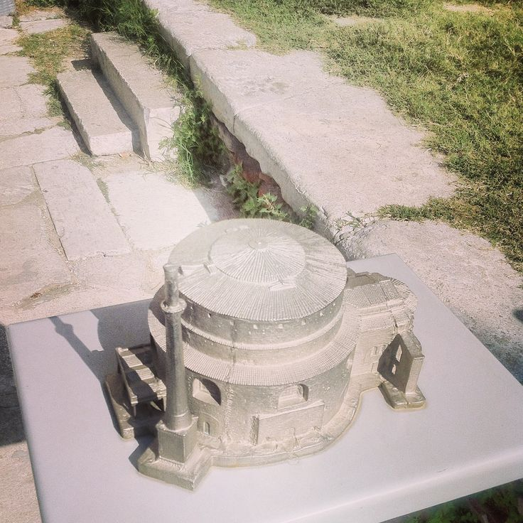 The Rotunda miniature stands at the entrance of the original as a guide for the blind. Walking Thessaloniki app, Route 04 - Galerius (Download for FREE) #travel #guide #Greece #Roman #Byzantine #Church #Temple