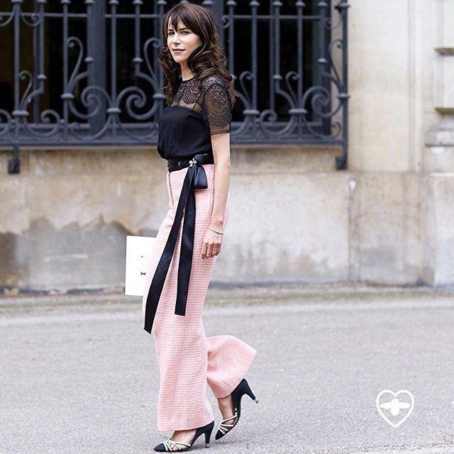 Caroline Pretty In Chanel Pink •  Photo by #Dvora #Fashionistable •  www.dvora.photography  #CarolineSieber @Carosieber #Chanel @chanelofficial #Paris #Couture #HauteCouture #FashionWeek #StreetStyle #Fashion #Mode #Moda #Style #Chic #StreetFashion #StreetChic #NoFilter