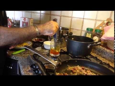 Spaghetti con zucchine gialle al sugo di pomodoro e basilico (foto racconto) - YouTube