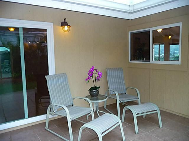 1423 Akiikii Place A Kailua HI 96734 - nice exterior paint color