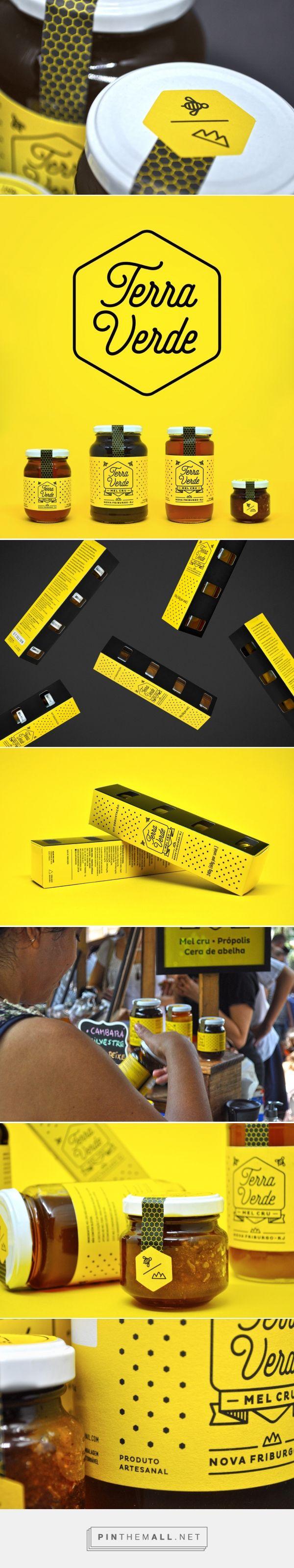 Terra Verde Honey Packaging by Estúdio Insólito | Fivestar Branding Agency – Design and Branding Agency & Curated Inspiration Gallery #honey #honeypackaging #packaging #package #packagingdesign #design #designinspiration #packaginginspiration