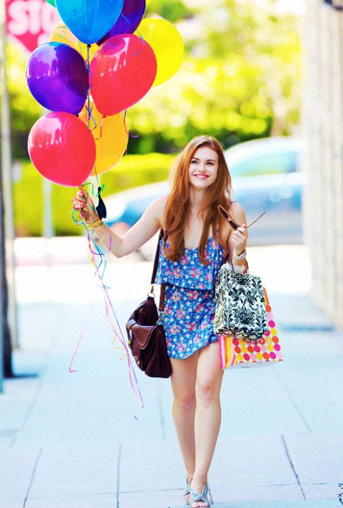 Holland Roden~ Shes too gorgeous