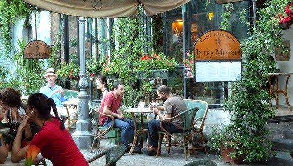 merci gaspard ! Caffè letterario INTRA MOENIA Piazza Bellini Naples merci gaspard!