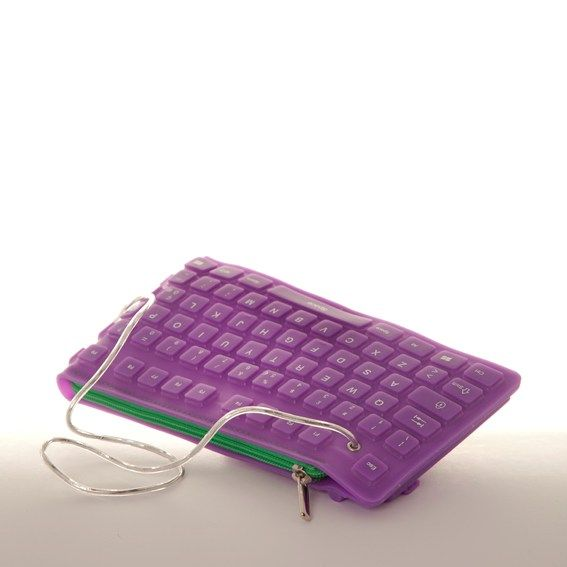 ...and your computer's #keyboard becomes a practical clutch #bag. It's possible by #CoccoDrive  Available on #flooly  link: www.flooly.com/it/pochette-zip-a-contrasto-donna-cocco-drive/15128