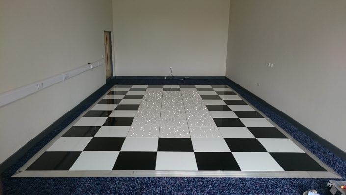 MOD Lyneham – Black & White with LED Feature Dancefloor