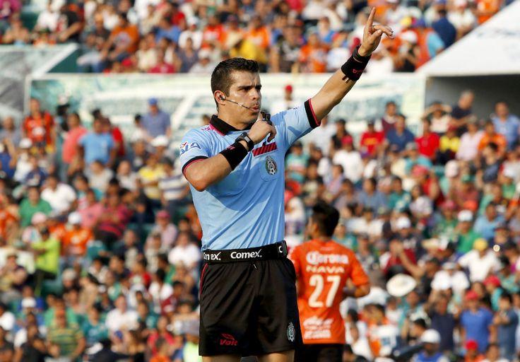 FERNANDO HERNÁNDEZ PITARÁ LA FINAL DE LA COPA MX Este lunes se anunció la designación arbitral para el duelo que sostendrán Chivas y Morelia el miércoles 19 de abril.