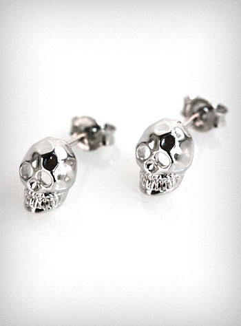 $10 Hammered Silver Skull Stud Earrings