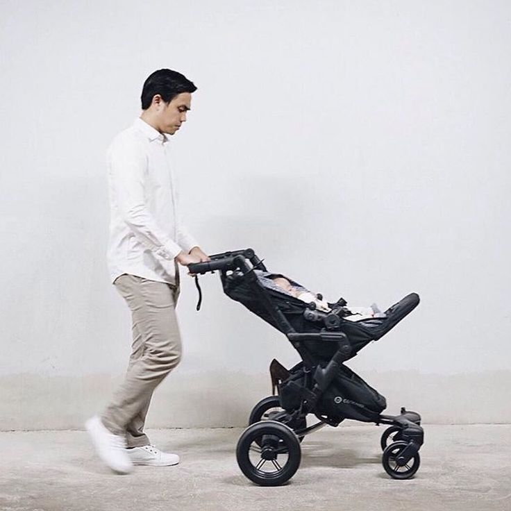 What's your baby's favourite reclining position? Position 3 might let you prolong your errands evening   #Neo #concordneo #stroller #recline #recliningposition #position #sleep #babysleep #sleeping #dad #father #daddy #dadandson #daddyandson #fatherhood #baby#babyboy #babyproducts #bebe #cochecito #kinderwagen #poussette #passeggino #minimal #repost @dittopercussion