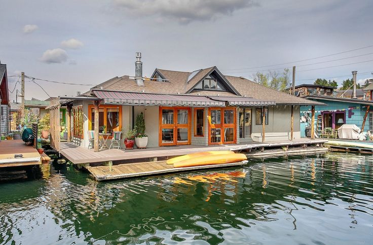 21 best images about awesome floating homes on pinterest rooftop deck lakes and sleeping porch - Floating house seattle ...
