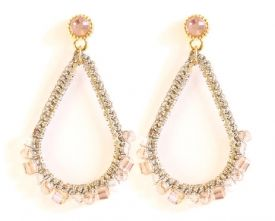 €12,95 prachtige druppel oorbellen opaal roze met zilver http://www.wenn-sieraden.nl/oorbellen/druppel-oorbellen-opaal-roze