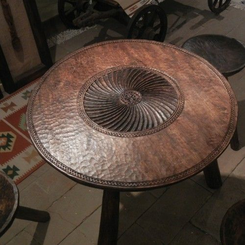 Handmade wooden table by Mark Tudose, mobilier traditional romanesc