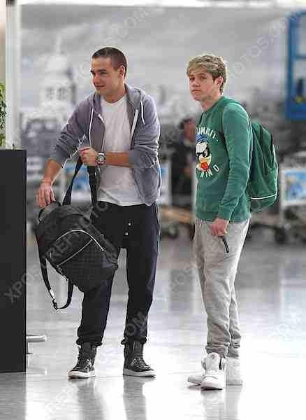 Airport<<< I love it when Niall looks like  X Factor Niall <3