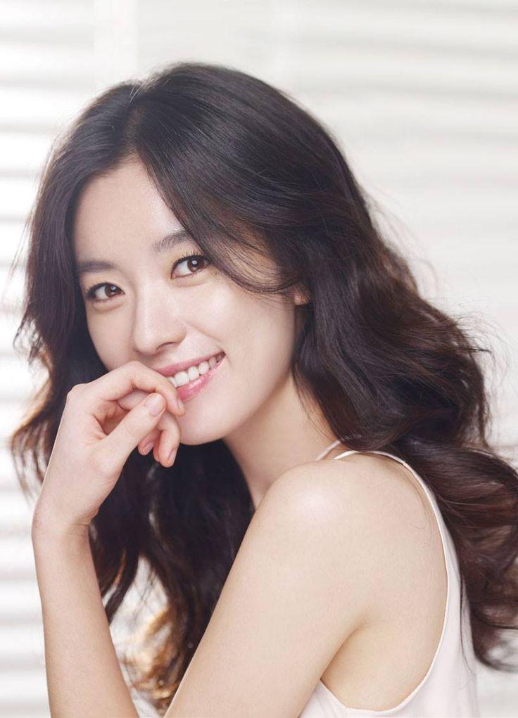 Hyo-joo Han (한효주)