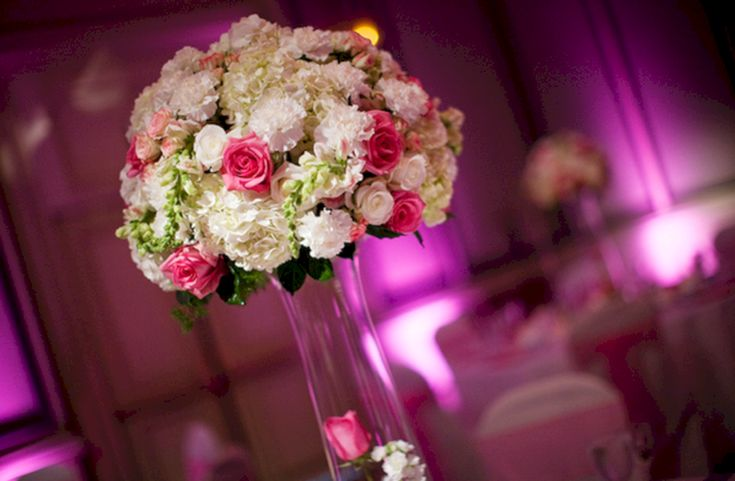 Best Red And Pink Flowers Centerpieces Idea For Wedding in February (30+ Beautiful Pictures)  https://oosile.com/red-and-pink-flowers-centerpieces-idea-for-wedding-in-february-30-beautiful-pictures-17789