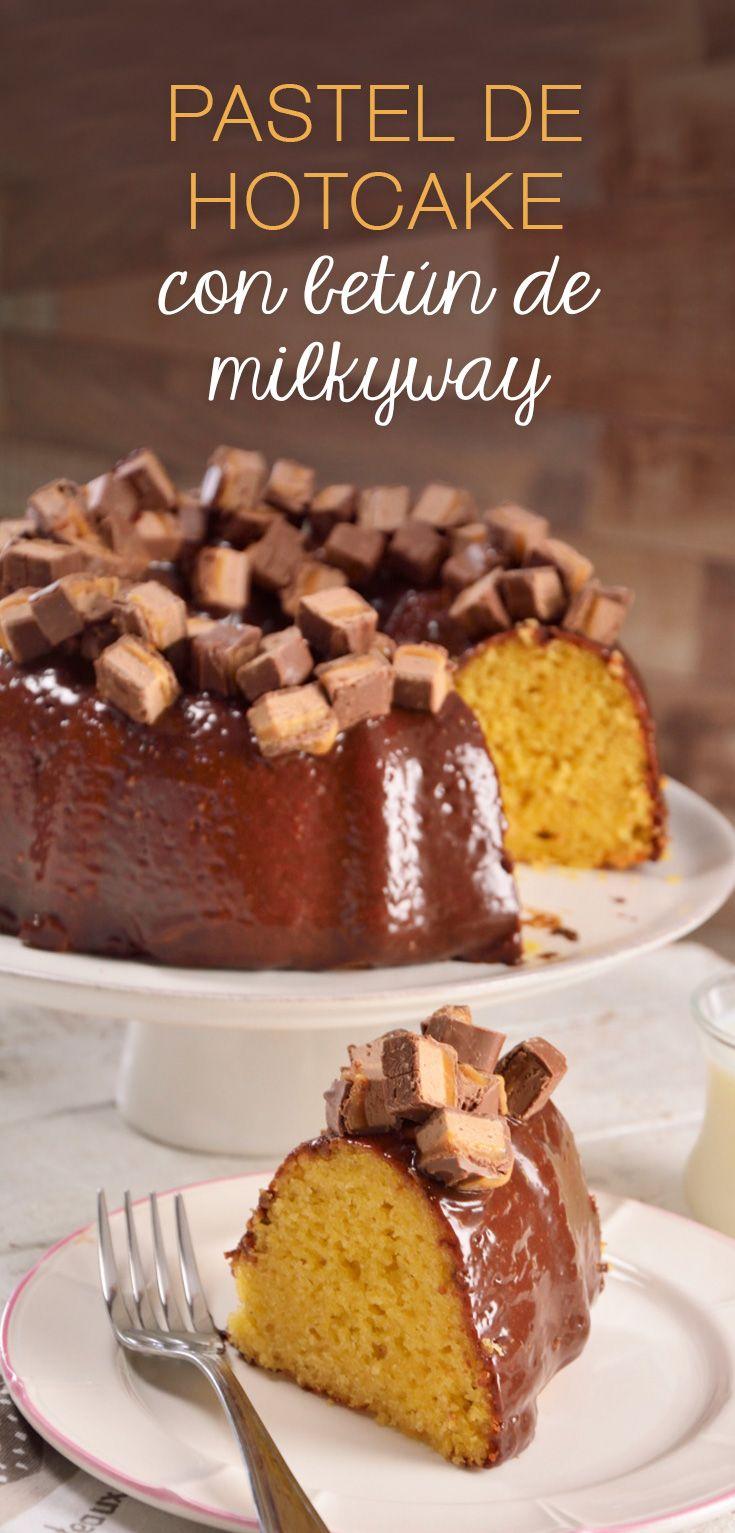 Esta receta de pastel es elaborada con harina de hotcake, es muy sencilla de preparar y deliciosa. Ideal para visitas inoportunas, lo mejor de todo es que los ingredientes los puedes tener en casa. El betún de milky way le da un toque sorpresa.